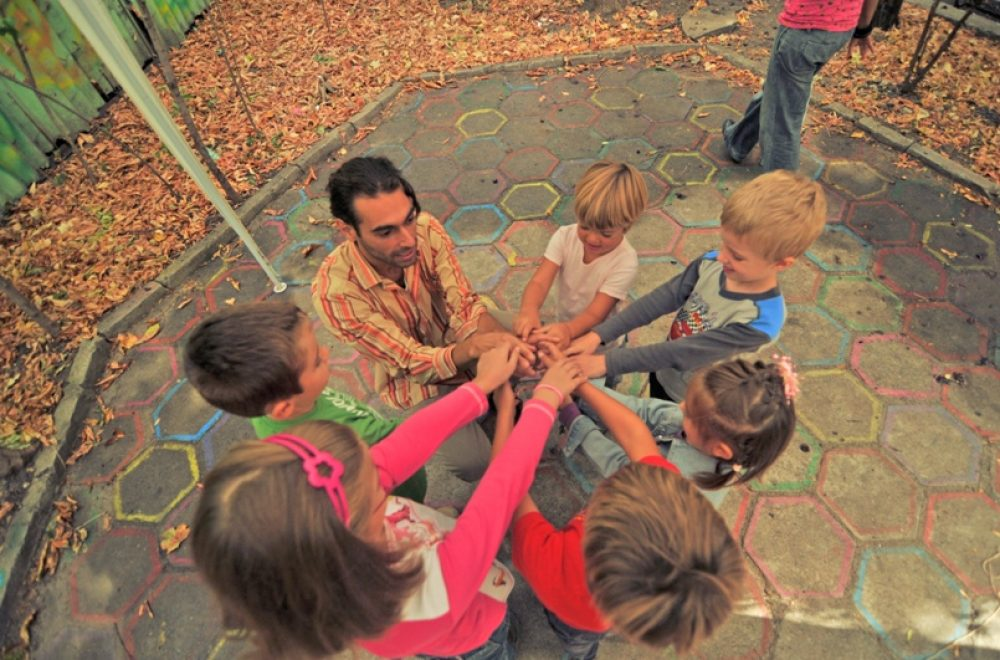 Разглеждаме всяко дете като уникална личност, за която се грижим да се прояви по най-добрия възможен начин Стимулираме творчеството, играта и ума Проявяваме грижа и отговорност към всичко, което правим Свободни сме да бъдем себе си Живеем в хармония с природата Общуваме от сърце Семейството е щастливо